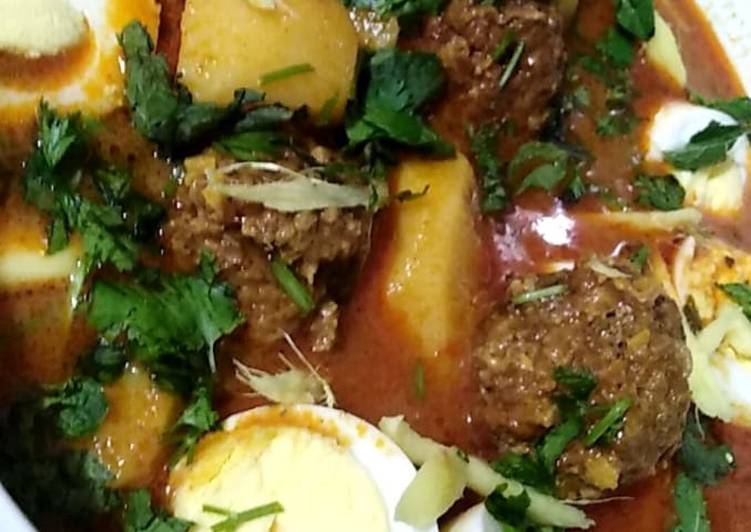 Alu kofta curry with eggs.