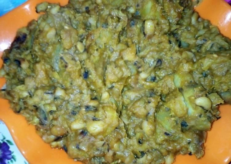 Porridge Beans mixed with Sweet Potatoes and Ripe Plantain