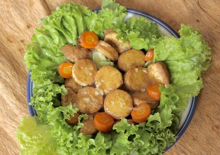 Sapo Tofu and Carrots with Lettuce