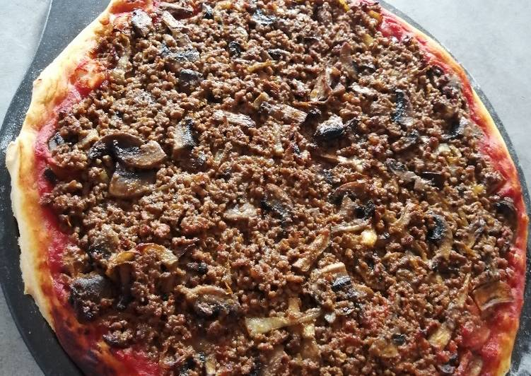 Pizza fait maison pimenté