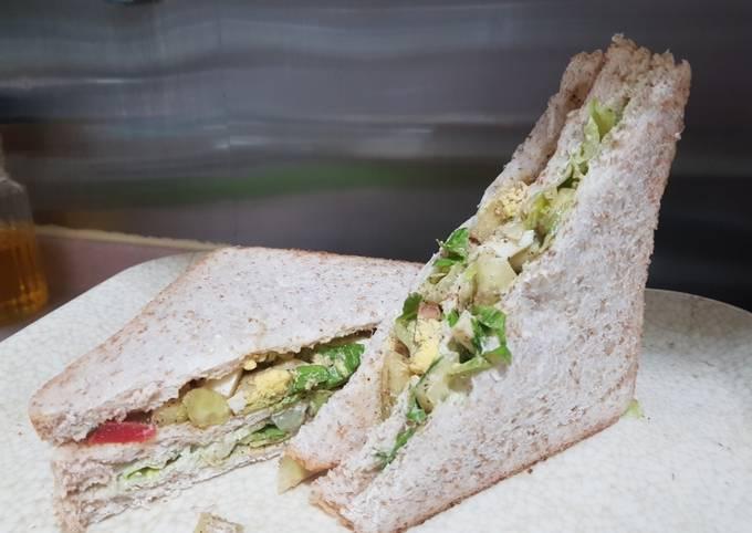 Healthy Egg and Salad Avocado Sandwich