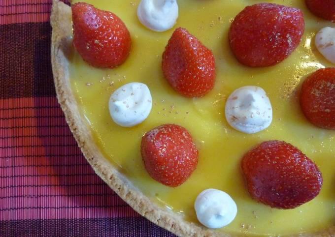 Tarte aux deux citrons, fraise, meringue