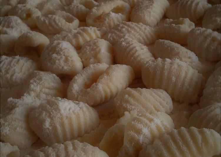 How to Prepare Yummy Gnocchi di polenta avanzata