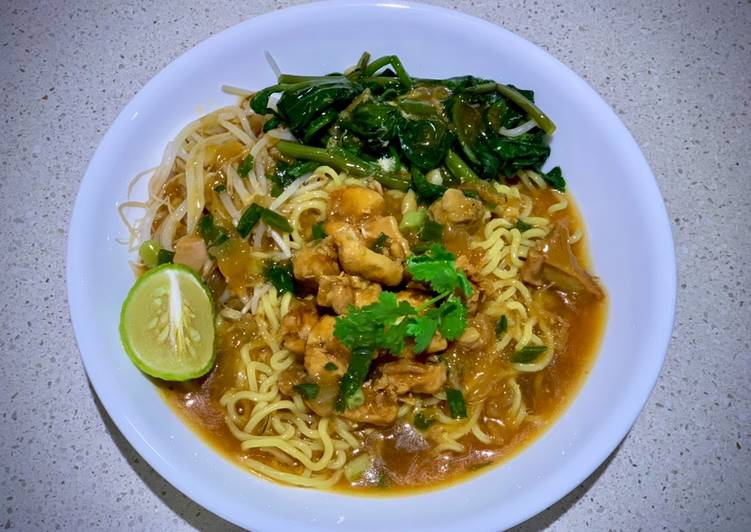 Mie Kangkung Ayam