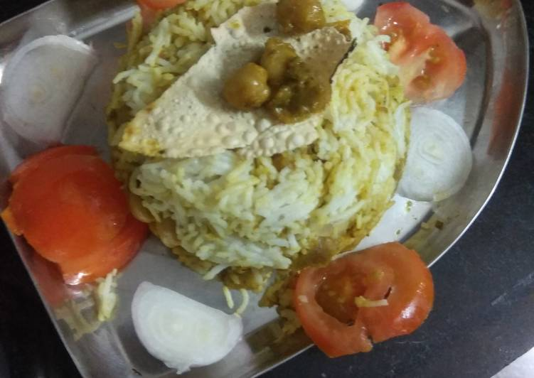 How to Prepare Any-night-of-the-week Chole palak biriyani
