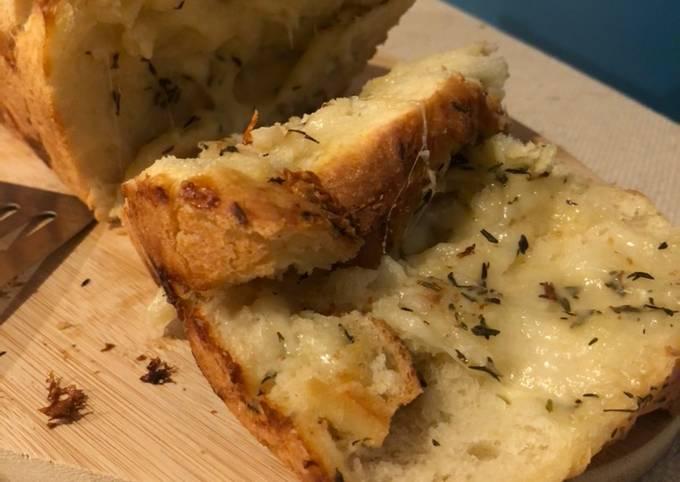 Brioche à la mozzarella, ail et persil