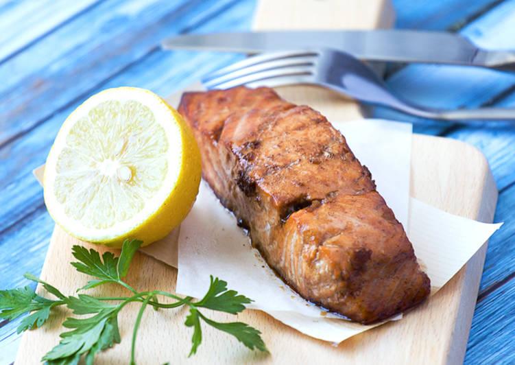 Step-by-Step Guide to Make Award-winning Balsamic Glazed Salmon