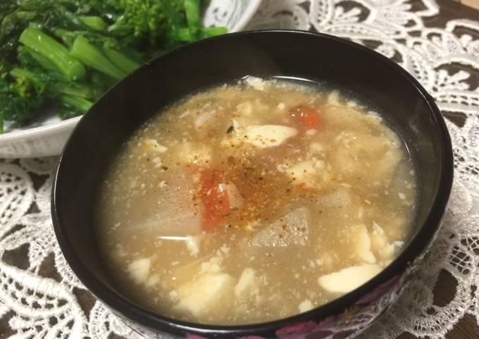 Japanese smashed Tofu Soup