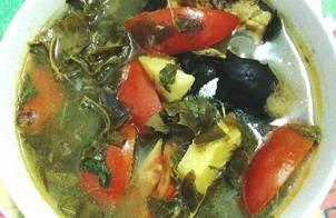 Canh chua cá trê nấu lá giang