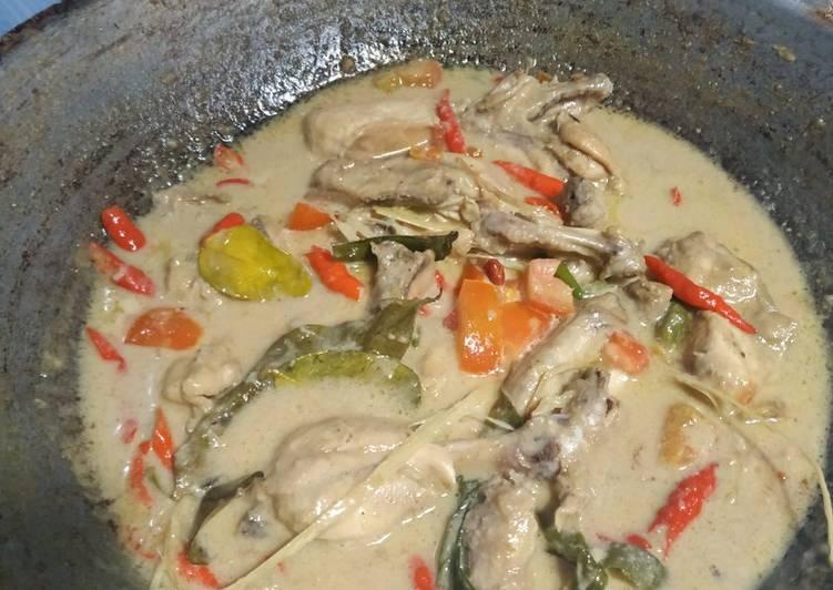 Ayam Gulai Putih atau Opor Ayam - cookandrecipe.com