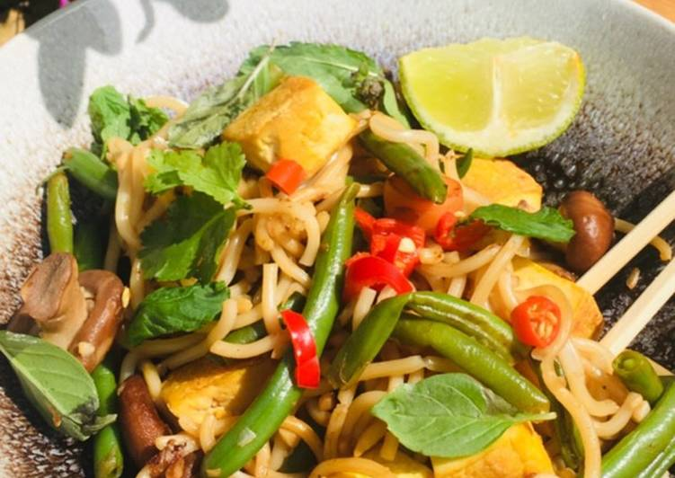 Recipe: Yummy Tofu and shiitake mushroom noodles
