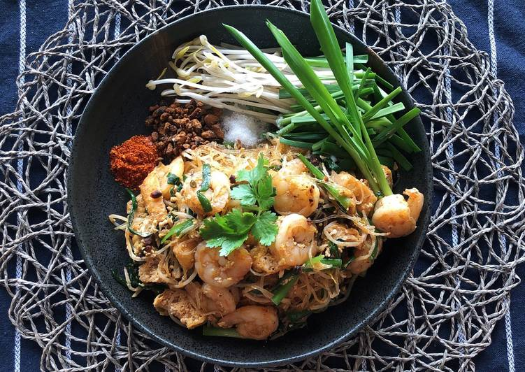 🧑🏽🍳🧑🏼🍳 How to Make Pad Thai with Glass Noodles • Pad Thai Sauce Recipe