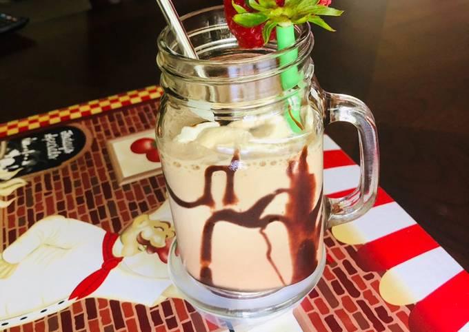 Strawberry Chocolate Milkshake    No Icecream   No Sugar  No Artificial Color