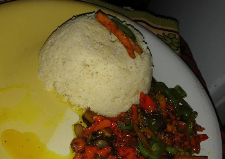 Couscous with stirfry veggie sauce (vegan)