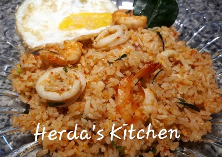 Nasi Goreng Seafood Daun Jeruk