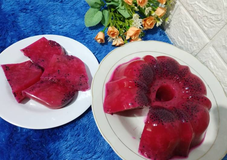 Puding buah naga sederhana