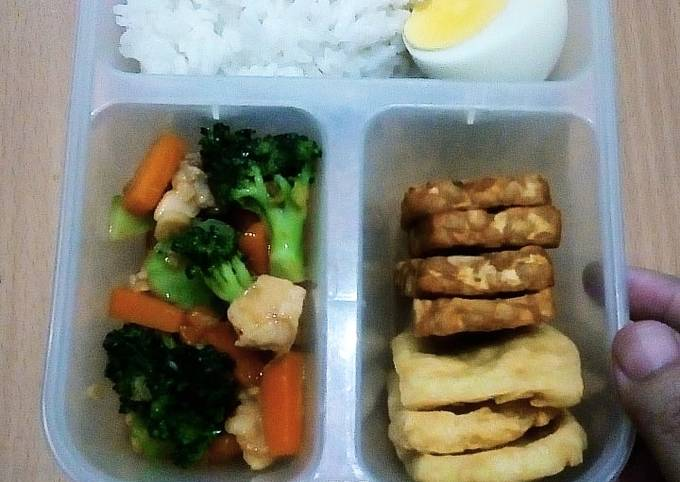 Bekal Tumis Brokoli+Wortel+ Ayam