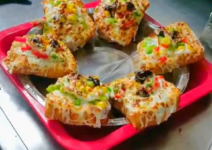 Recipe: Delicious Cheese garlic toast with vegetables recipe on tawa
