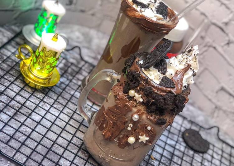 Recipe of Homemade Oreo milkshake