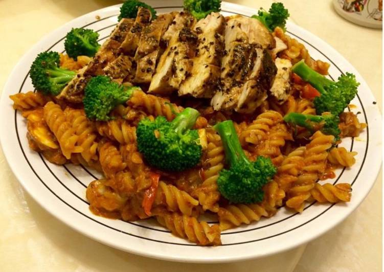 Creamy Tomato Tuna Pasta with Grilled Chicken