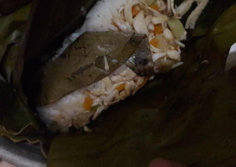 Pepes nasi tumis ayam suir kentang wortel dan kuah ceker