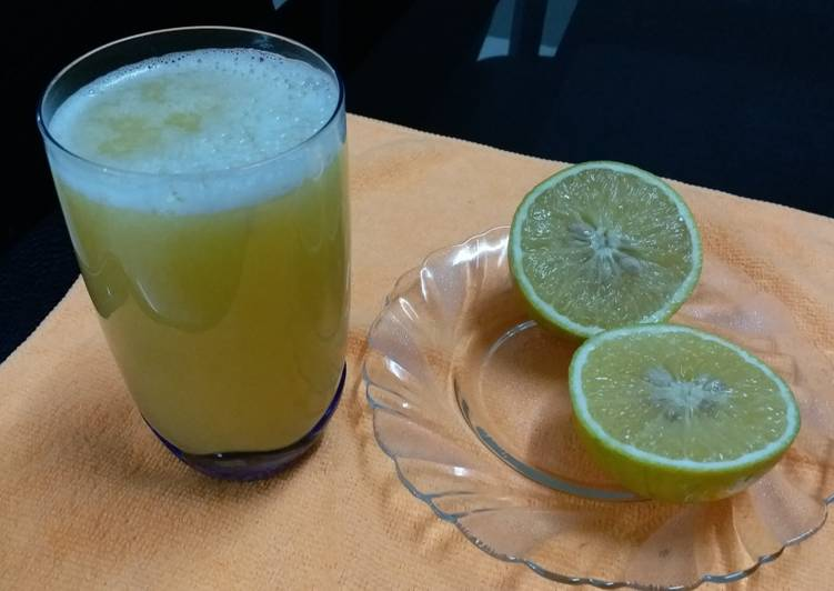Recipe of Speedy Mosambi Juice/Sweet Lime Juice