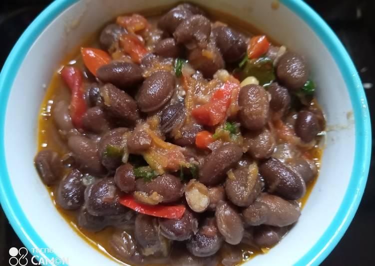 Steps to Make Speedy Njahi stew