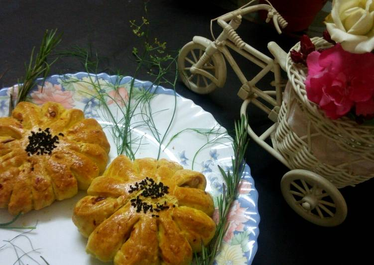 Easiest Way to Make Delicious Potato filled flower bread