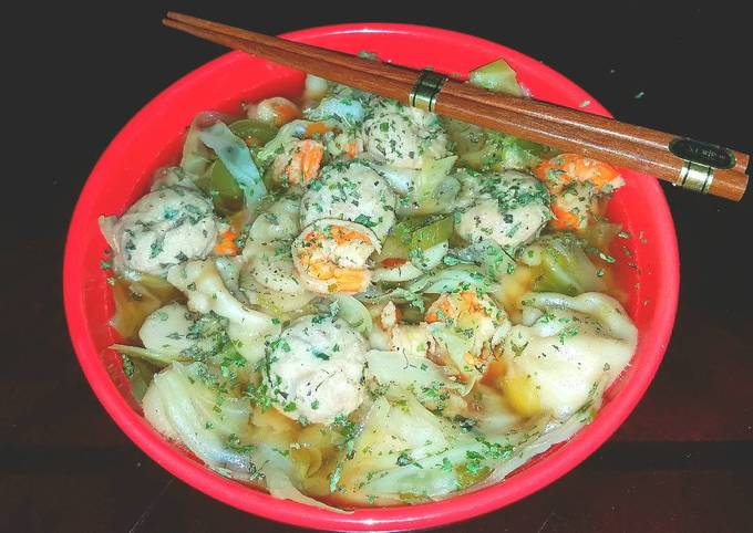 Mike's Asian Chicken Dumpling Soup With Shrimp