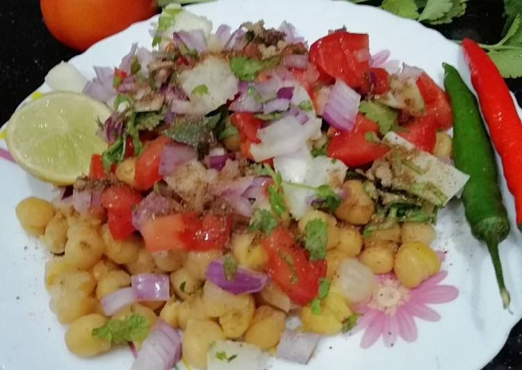 Healthy Chickpea Chaat