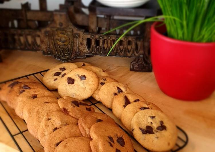Recipe of Homemade Cookies with chocolate chips
