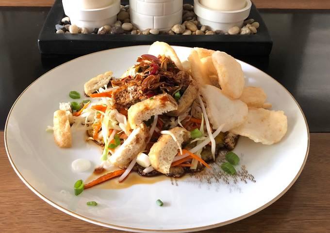 Easiest Way to Make Award-winning Indonesian tofu egg salad with spicy sweet soy dipping sauce (tahu telur sambal kecap)