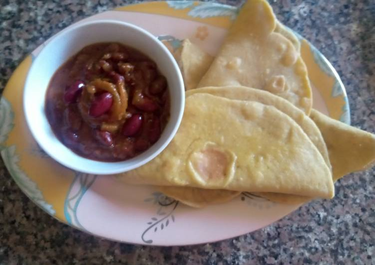 Recipe of Favorite Tortillas(flat bread) with chilli con carne sauce