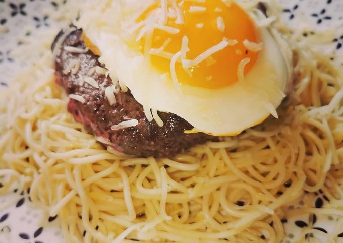 Steak avec son œuf au plat