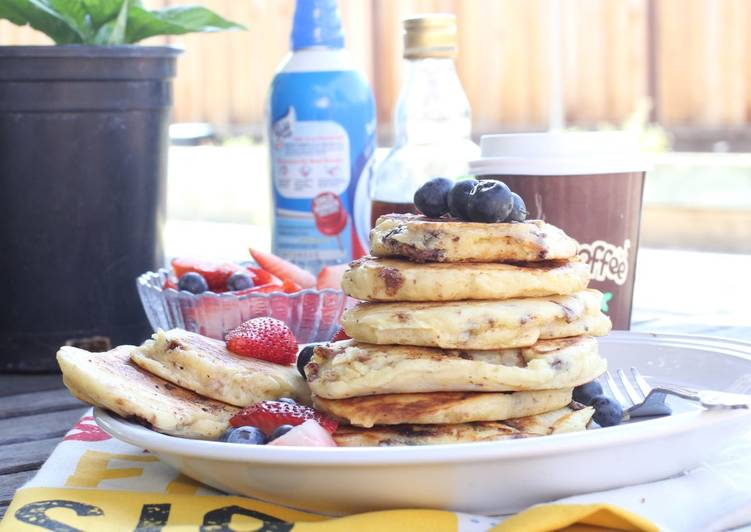 Hawaii macadamia nut chocolate banana pancake recipe
