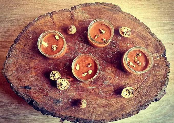 Mousse au chocolat aux éclats de noix