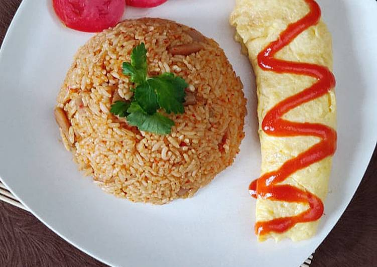 Nasi Goreng Barbeque with cheesy omelette