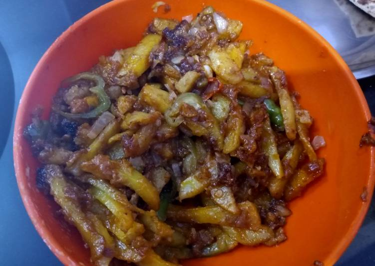 Steps to Prepare Super Quick Homemade Chilli potatoes