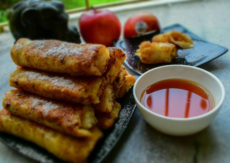Apple French Toast Roll-Ups