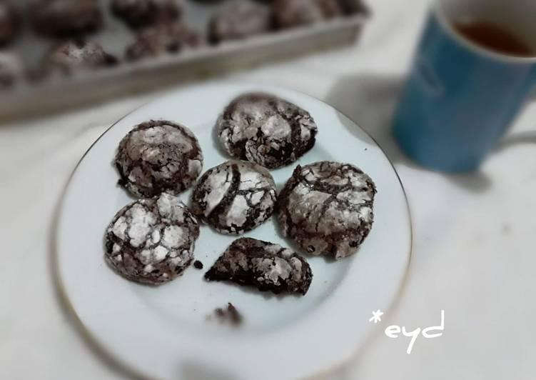 Chocolate cracle cookies