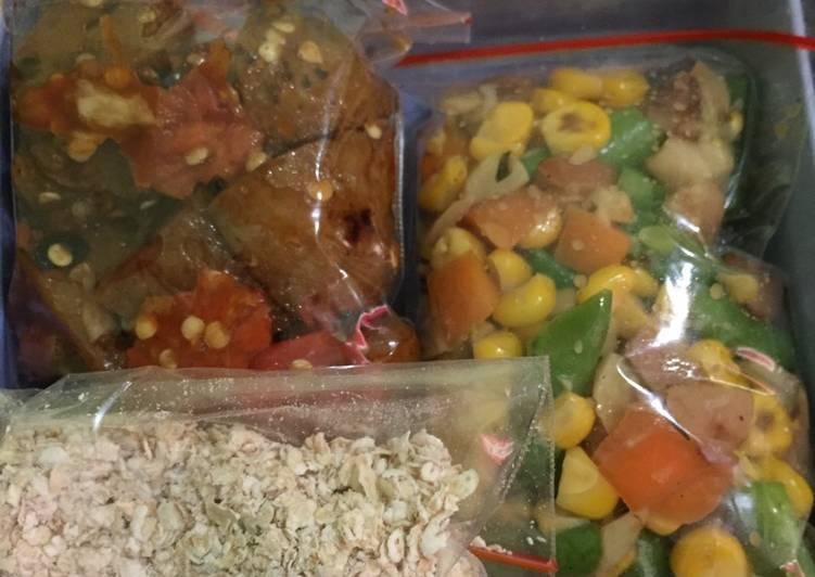 Oatmeal+mix vegetables+bakso bakar geprek. (Diet & healthy food) Seminggu BB turun 1,1kg