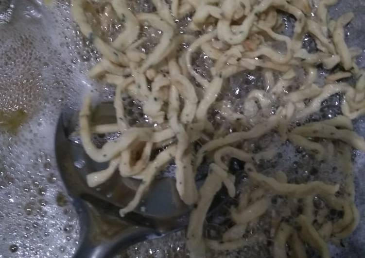 Kue bawang/stik bawang