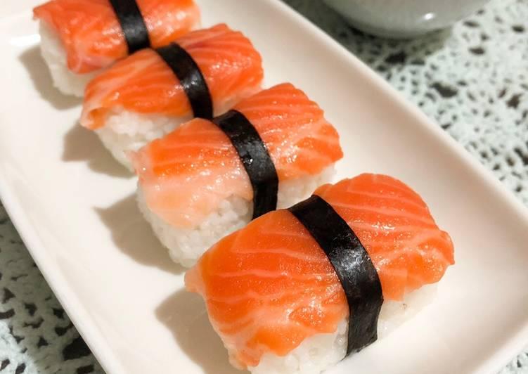 Resep Salmon Sushi Simple Oleh Agita Cookpad