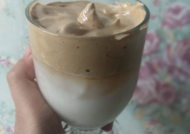 Langkah Mudah untuk Membuat Dalgona coffe dancow yang Enak