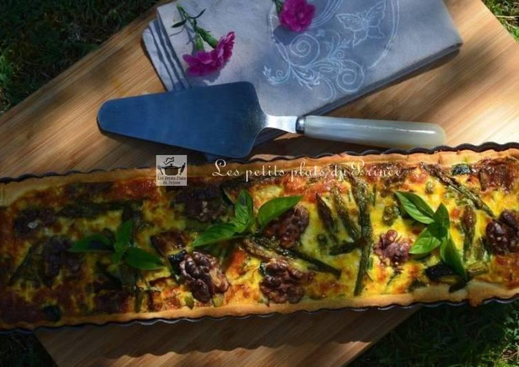 Tarte aux courgettes, asperges et noix