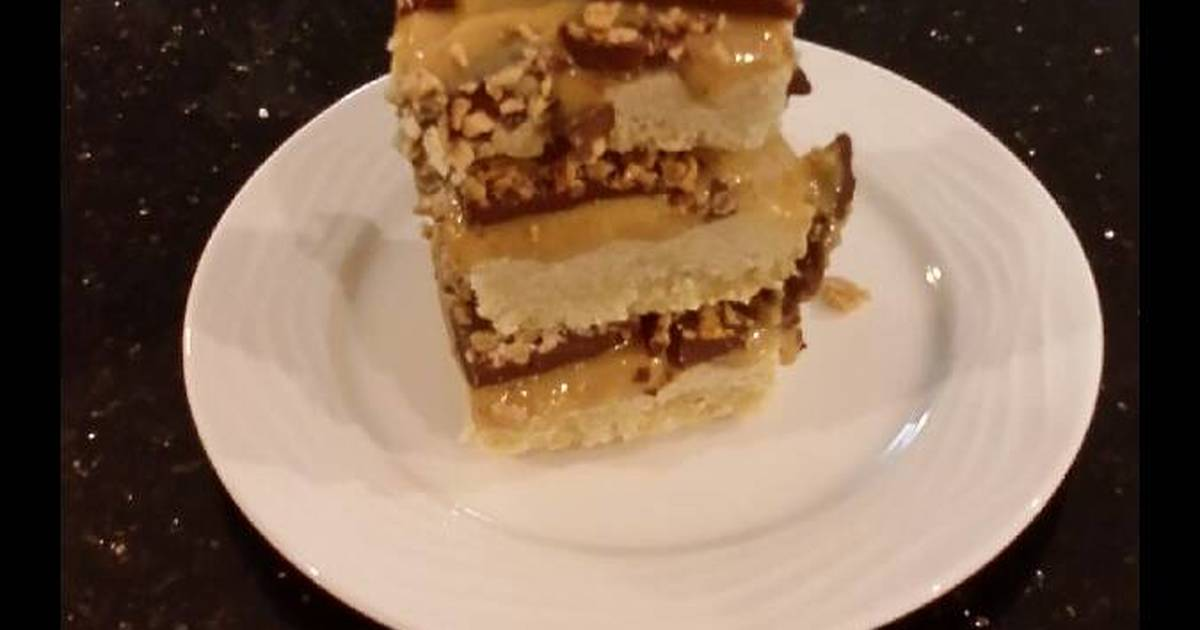 Millionaire Bars (Caramel Shortbread Bars)