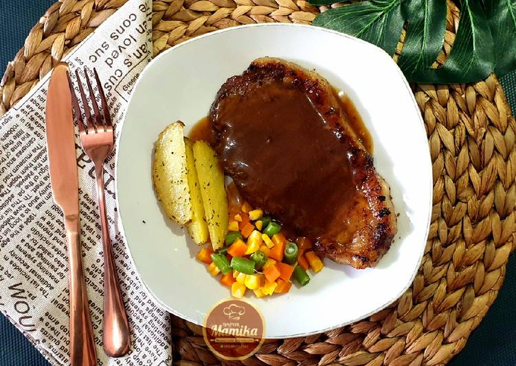 steak-with-brown-sauce-26