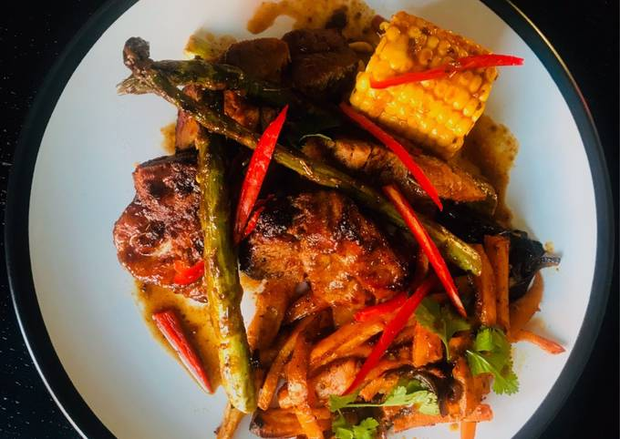 The Pile-Up (Sticky-Spicy Spare Ribs Chop)
