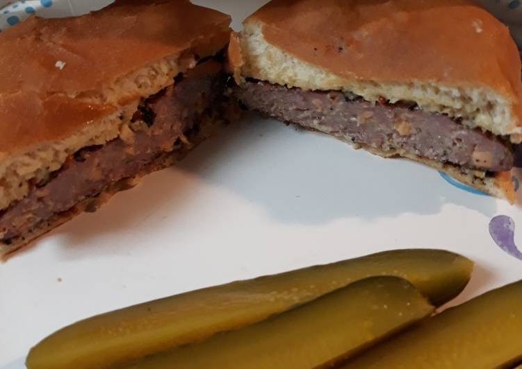 Recipe of Ultimate Jalapeno Cheddarwurst Burgers