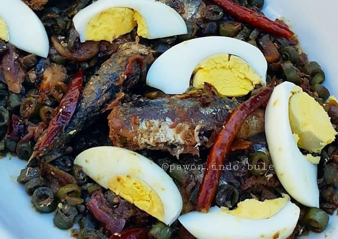 Spicy Sardines and Green Bean Stir Fry